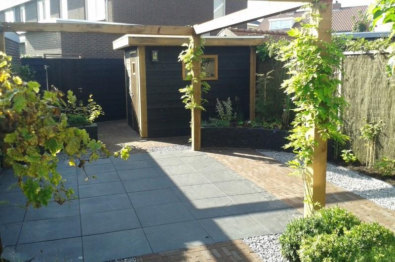 Klasieke tussenwoning tuin